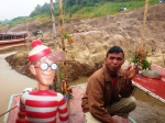 17/01/2013 – Mékong, Laos : Charlie parle boulot avec le conducteur du slow boat
