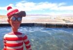 13/09/2013 – Bolivie, Salt Flats : Charlie prend un bain en plein désert