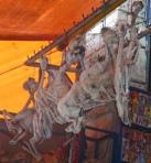 20/09/2013 - Bolivie, La Paz : le foetus de lama séché, le porte bonheur ... qui porte au coeur !