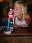 12/04/2012 - Bocas del Toro, Panama : Charlie clope, Charlie boit, mais Charlie choppe. Lui.