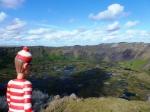 06/11/2012 – Île de Pâques, Chili : Charlie en mode contemplatif devant le cratère du Rano Kau