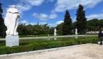 Dans les jardins derrière le Palacio Real