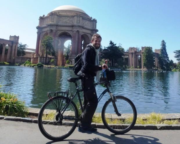 """Votre serviteur, qui a tout particulièrement apprécié la possibilité de """"biker"""" dans les rues de San Francisco : 80 km sur 2 jours, up, down, up, down, up ..."""