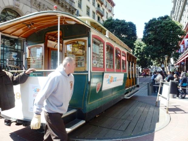 Les Cable-Car, aujourd'hui attraction touristique mais crées à l'origine pour faciliter les transports dans cette villes où les dénivelés impressionnants étaient propices aux accidents de carrioles !