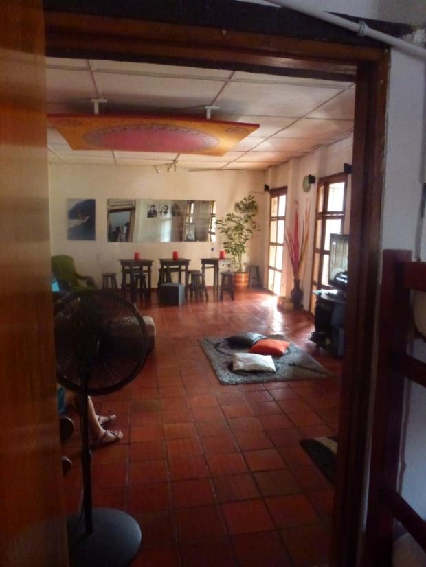 Salon très cosy de l'hostel Makako