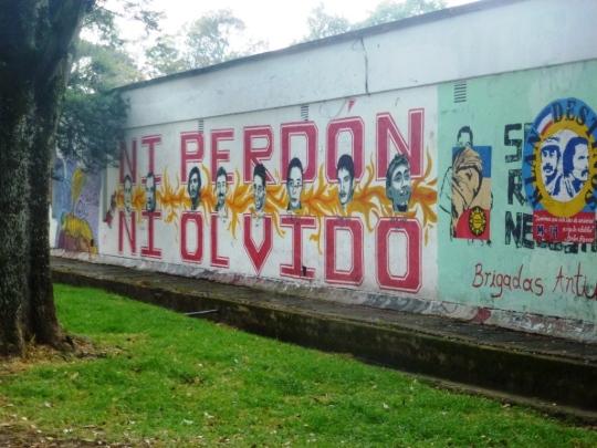 """Aux """"disparus"""" du régime Uribe"""