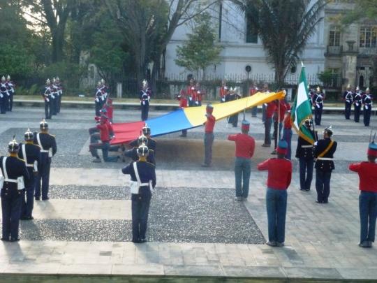 Cérémonie du drapeau au palais présidentiel