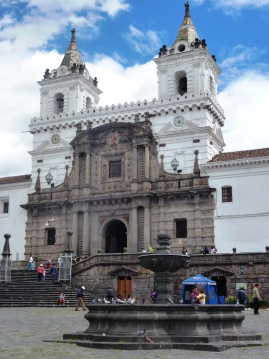 Plaza San Francisco, son église et son monastère
