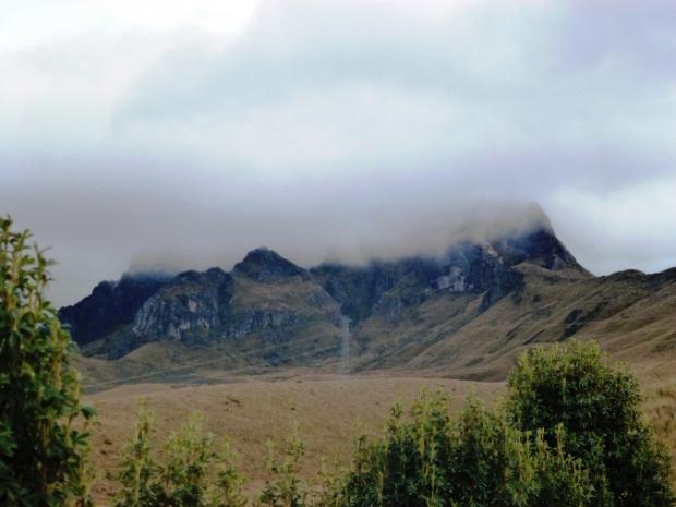 le Rucu Pichincha sous les nuages